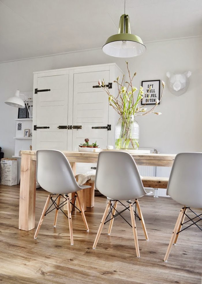 INTERIOR ICON: THE CLASSIC EAMES CHAIR