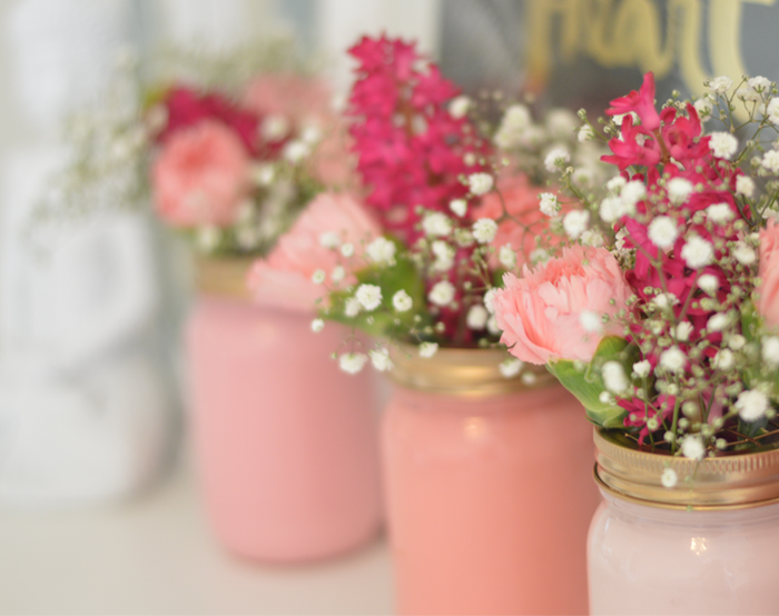 Here's how to crearte your own DIY painted ombre jam jar vases, in collaboration with Rose & Grey. Click here for this easy home styling DIY.