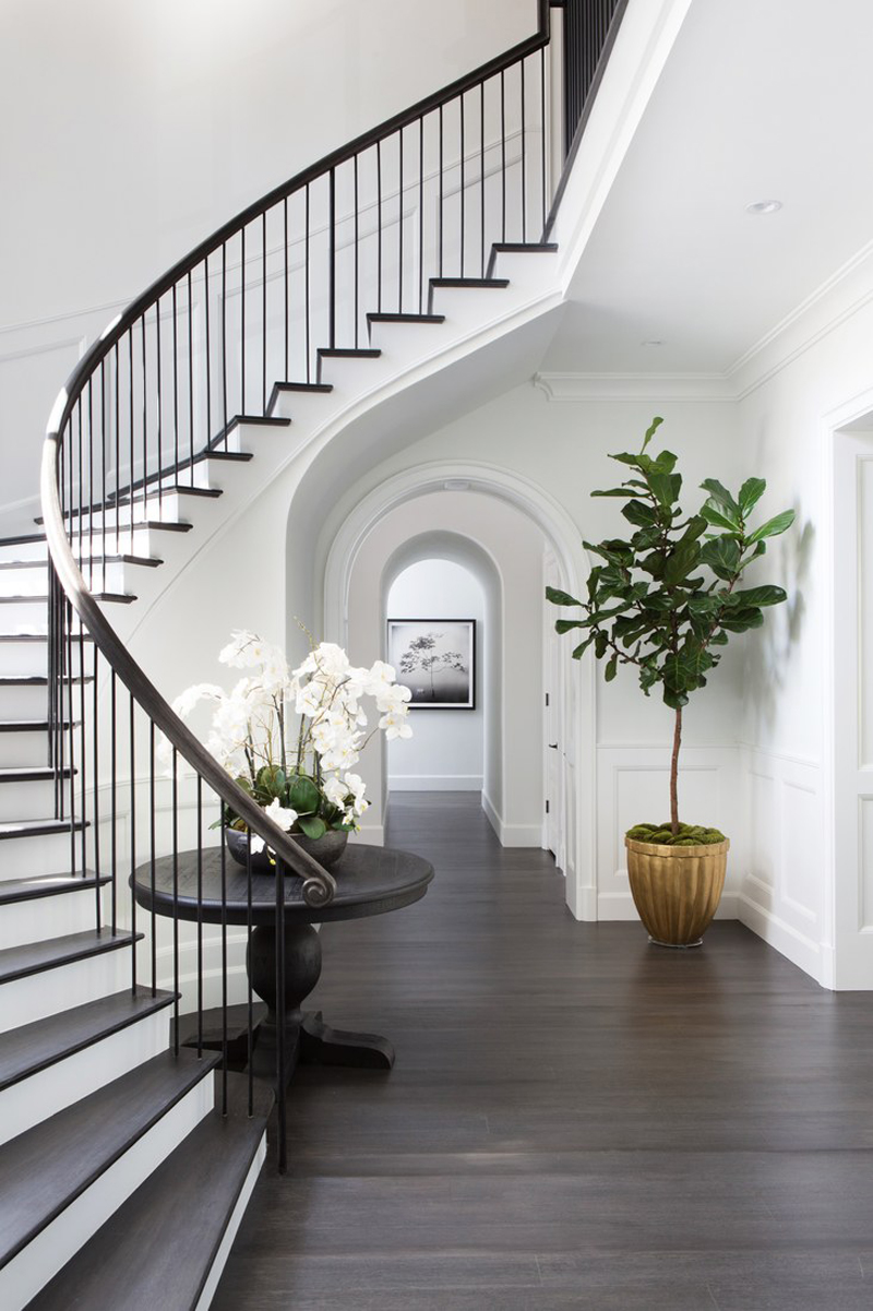 Affordable hallway and staircase decorating ideas for Number 4 decorations