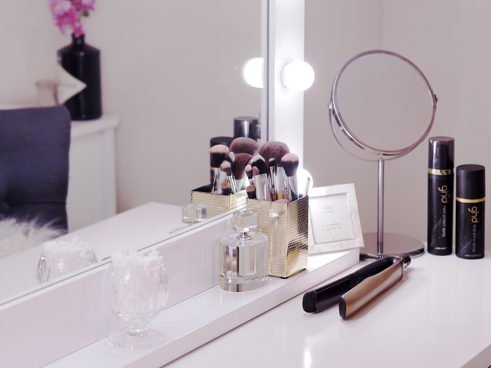 A TOUR OF MY PINTEREST WORTHY DRESSING TABLE