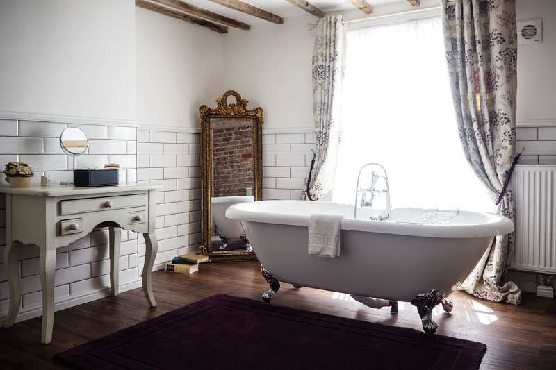 Taking the perfect staycation in the UK is probably one of my favourite things to do - today I'm sharing The Vicarage Hotel in Cheshire.