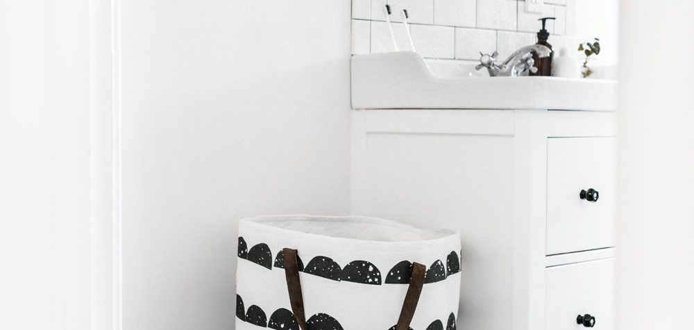 Today I'm sharing three tips on how to unclutter your small bathroom with space-saving tips, making the room look bigger.