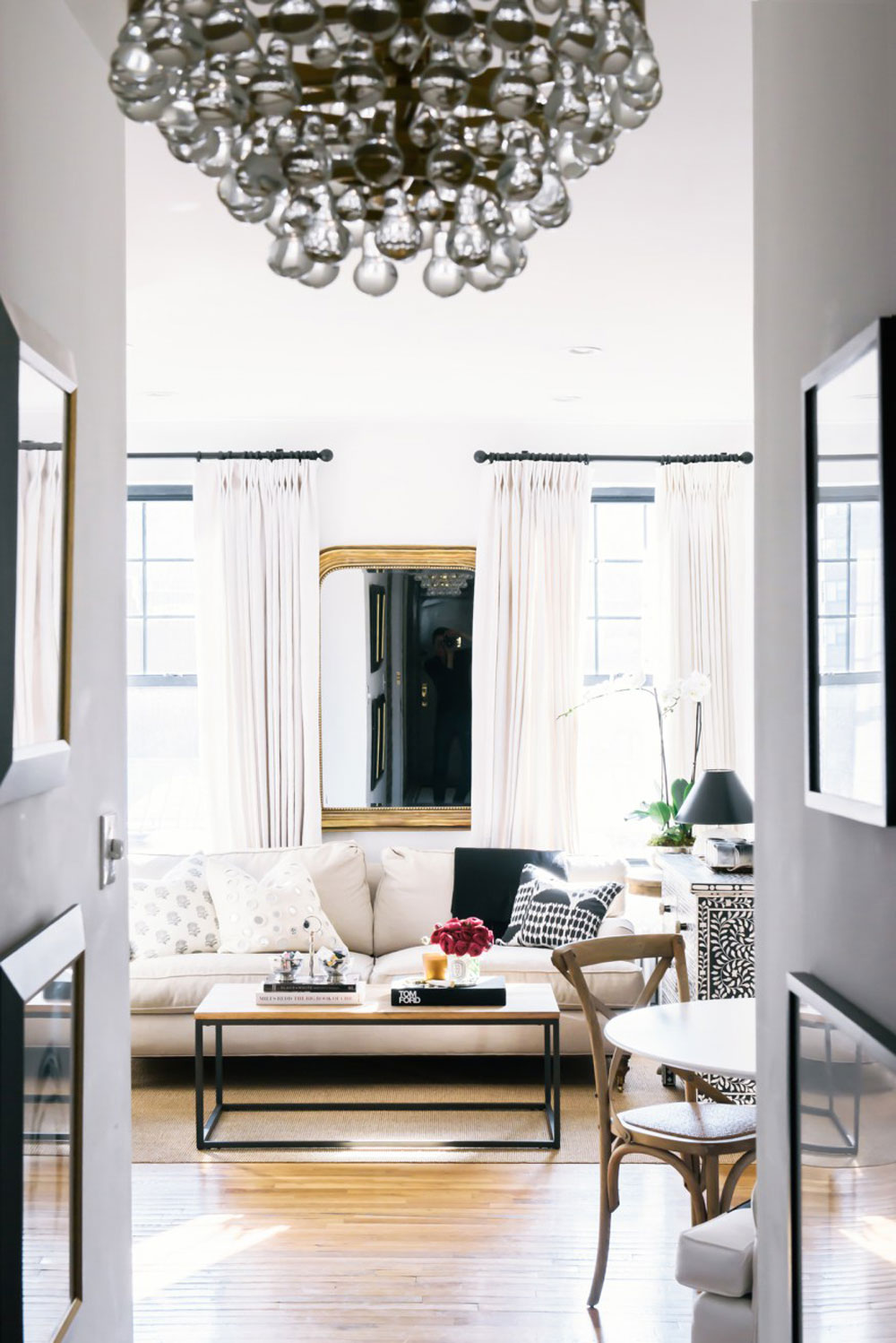 Get The Look Of A Glamorous New York Apartment