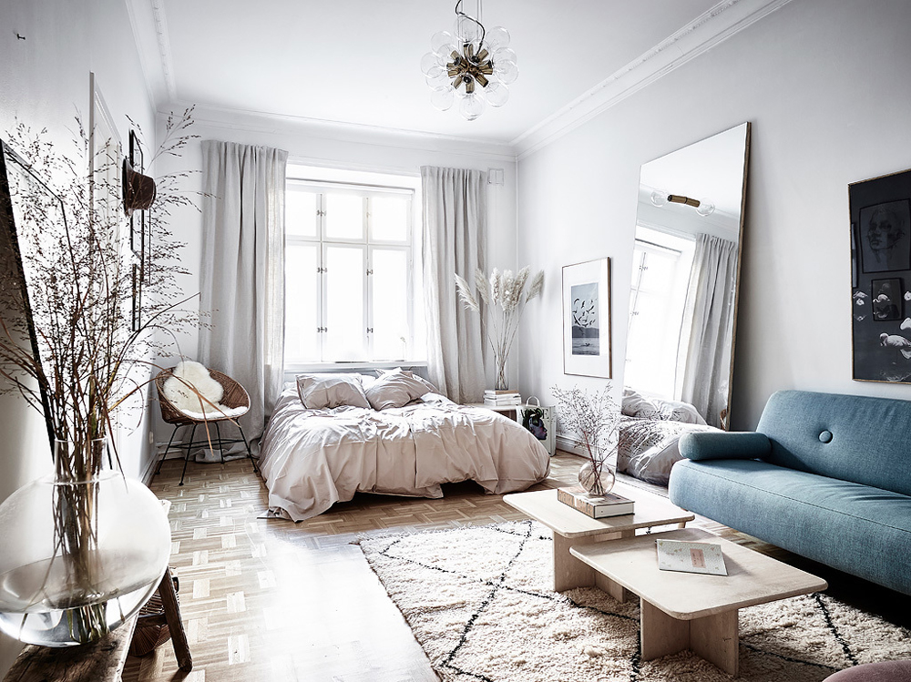 How to decorate a studio apartment is a question we're frequently asked as people continue to downsize. Today we're sharing 15 stylish studio apartments designed to inspire your interior choices.