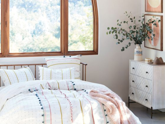 Today I'm sharing new pieces from the Anthropologie summer 2018 lookbook, designed to make you swoon, from statement mid-century furniture to a subtle pastel colour palette.