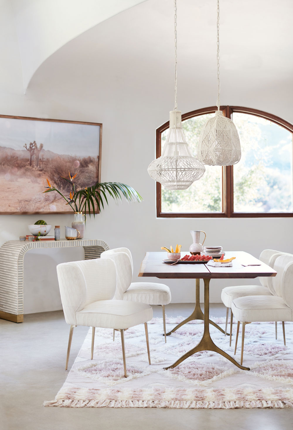 Today I'm sharing new pieces from the Anthropologie spring summer 2018 lookbook, designed to make you swoon, from statement mid-century furniture to a subtle pastel colour palette.