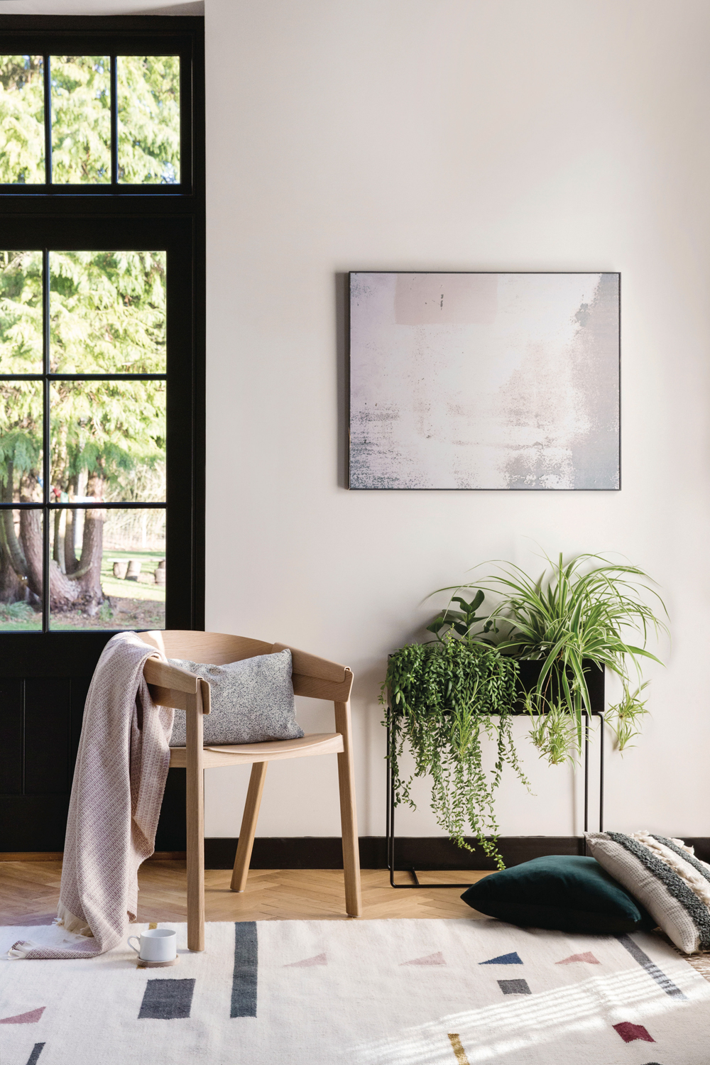 Scandinavian and Californian interior design is a stylish new trend for 2018 - Scandifornian if you like. See how to get the look yourself in today's post.