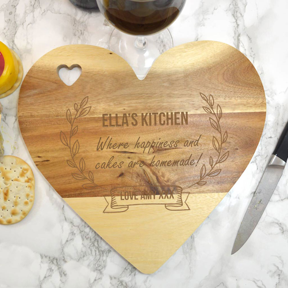 Personalised housewarming gifts are the ideal present for your friend or loved one who's just moved into their new home. Here are five ideas.