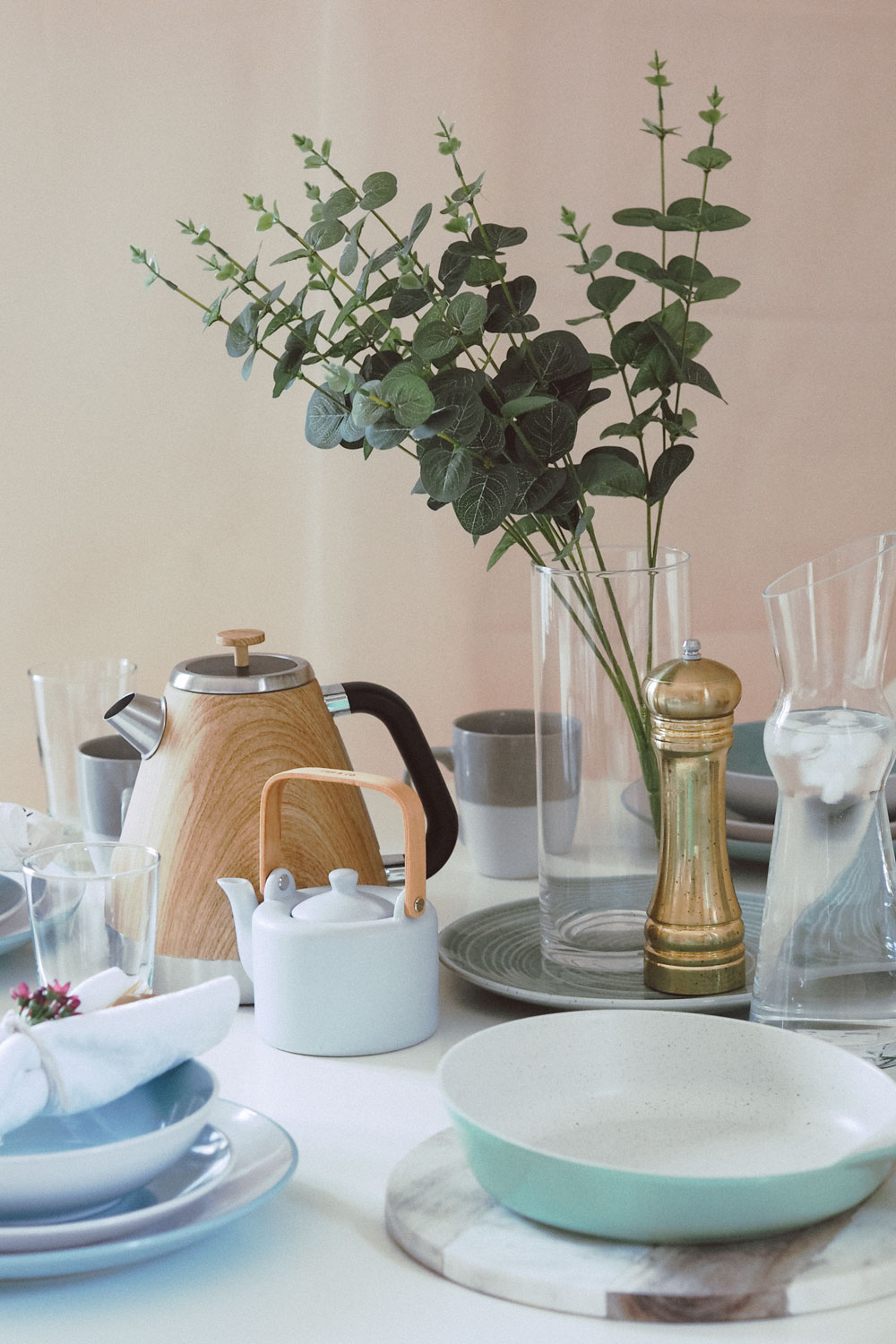 Today I'm sharing a Scandinavian inspired table setting for autumn, with a little help from Studio.co.uk. Discover more by clicking here.