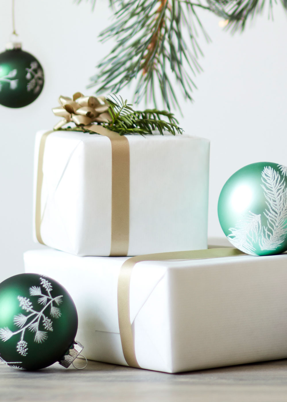 Best Places For Budget Christmas Decorations - Apartment Number 4