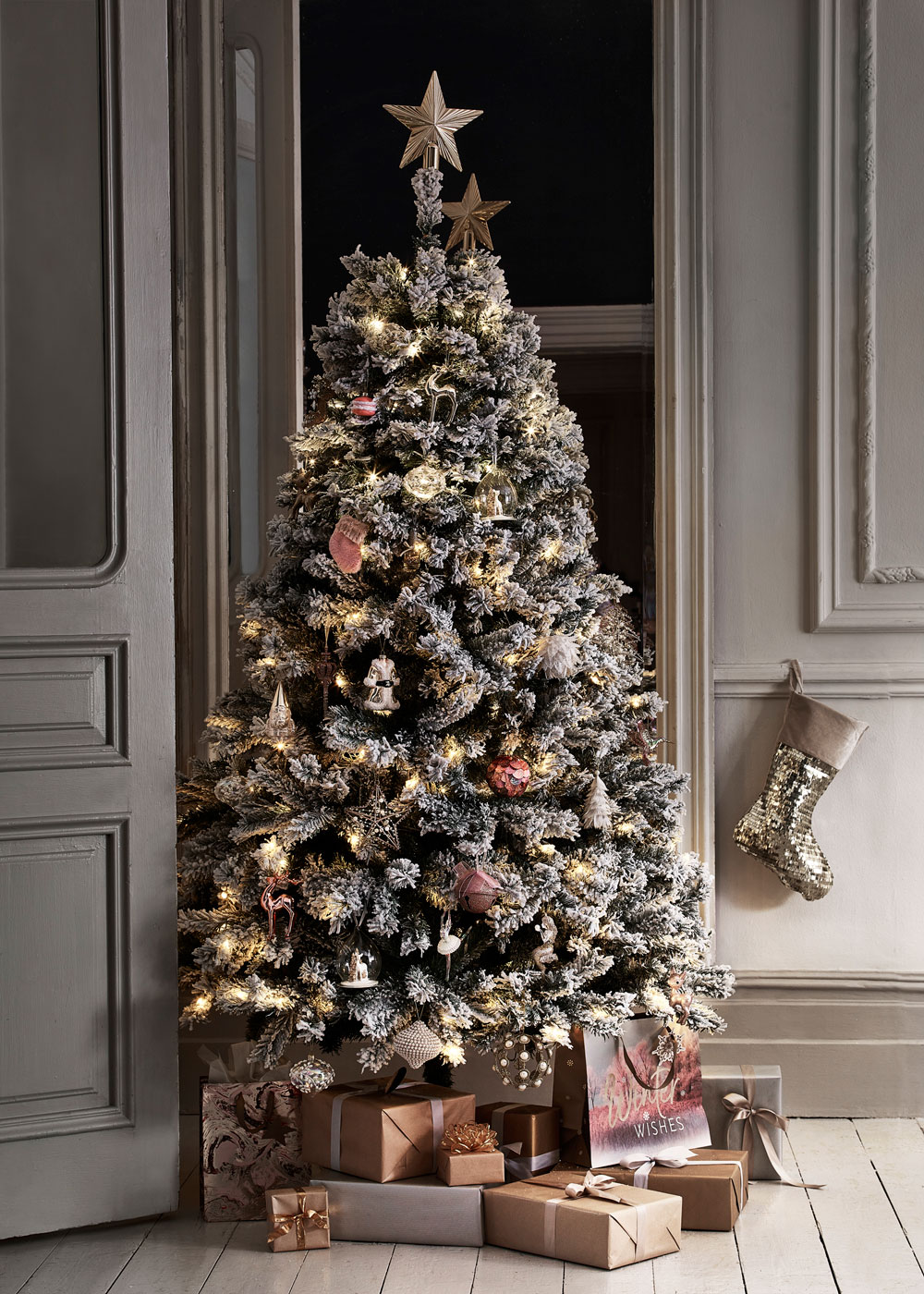 Best Places For Budget Christmas Decorations - Apartment ...