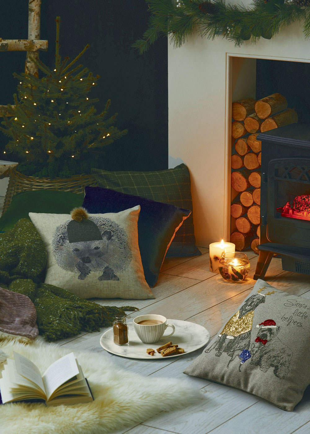Looking for budget Christmas decorations to deck your home out this festive season? Look no further. In today's post, I'm sharing seven of the best shops on the high street to buy cheap Christmas decorations, from tree decorations, to Christmas Eve boxes, to Christmas dinnerware. Click through for some last minute simple holiday decorating ideas from Dunelm #budgetchristmas #cheapchristmas #christmasdecor