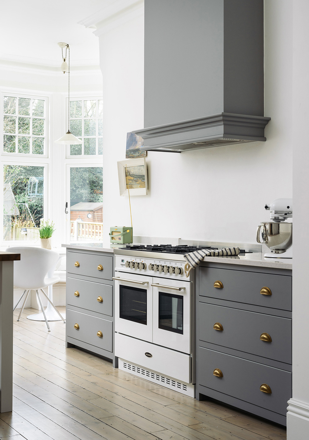 How to achieve a modern country kitchen