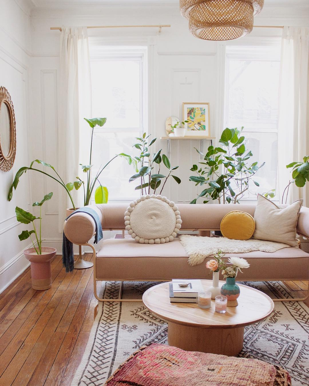 10 Stylish Renters You Should Follow On Instagram - Apartment Number 4